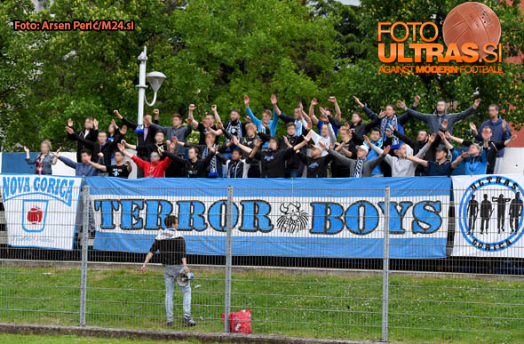 Soccer/Football, Slovenia, Gorica, First Division (ND Gorica - FC Koper), Football team Gorica fans, 14-May-2016, (Photo by: Arsen Peric / M24.si)