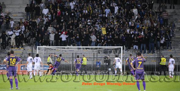 Maribor, Slovenija, 08.Julij 2009 - Nogomet.Superpokalna tekma med Maribor in Interblock. Na fotografiji Zoran Pavlovic (foto:Grega Wernig / Fotosi)