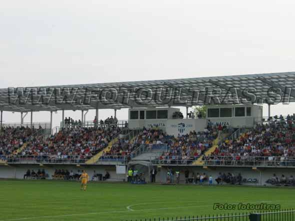 Otvoritvena tekma na novem stadionu v Lendavi je privabila veliko število gledalcev