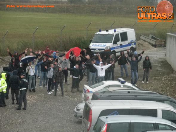 Novogoričane so pustili kar pred vrati stadiona