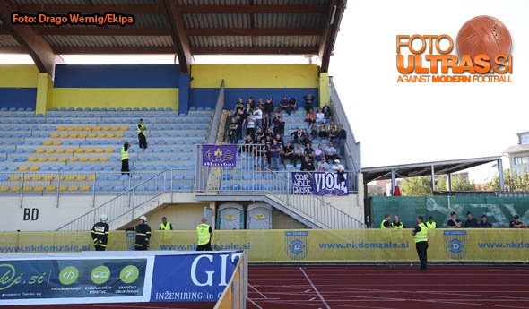 Soccer/Football, Domzale, First Division (NK Kalcer Radomlje - NK Maribor), Fans Maribor, 27-Sep-2014, (Photo by: Drago Wernig / Ekipa)